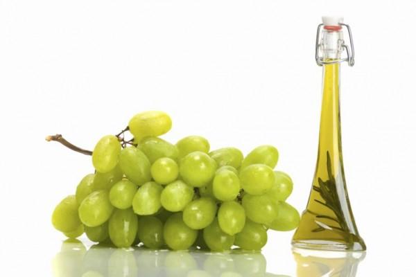 Kosmetikprodukte DIY. Wie können Sie das Traubenkernöl anwenden?